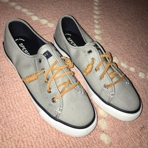 Sperry Top Sider Sneaekers